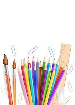 무지개 연필과 지우개 흰색 배경에 고립.