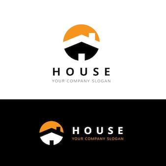 不動産ロゴ、ホームケアロゴ、不動産、住宅ロゴ、家と建物、ベクトルロゴテンプレート