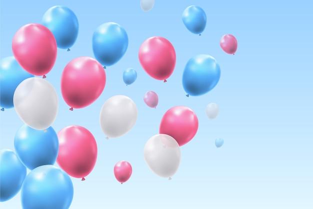 Palloncini realistici che volano nel cielo