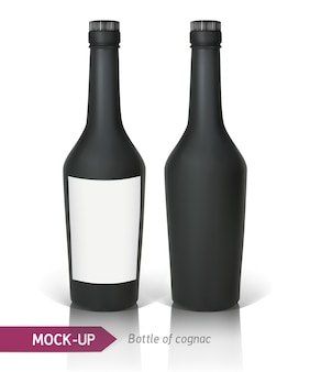 反射と影と白い背景の上の現実的なコニャックの黒いボトル