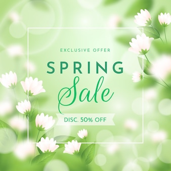 Realistic blurred spring sale illustration with blossom