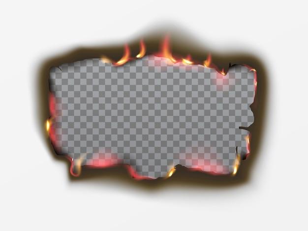 화재와 검은 재가 있는 종이에 있는 현실적인 탄 사각형 구멍. 검은색 종이는 투명한 배경에서 빈티지 스타일로 굽습니다. 화염 프레임