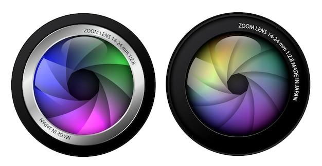 リアルなカメラレンズは、シャッターブレード付きの2つのプロの写真レンズを分離しました