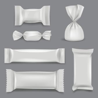 リアルなキャンディーパッケージ。お菓子のラッパー紙パックスーパーマーケットギフトプラスチックモックアップテンプレート。チョコレート菓子イラストのホイルパッケージとプラスチックパック