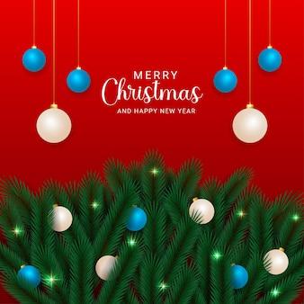 크리스마스 공 및 크리스마스 조명 빨간색 배경으로 현실적인 크리스마스 잎