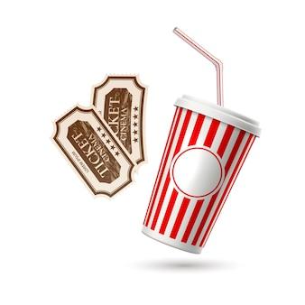 リアルな映画のシンボルのチケットとストローと紙のソーダガラス