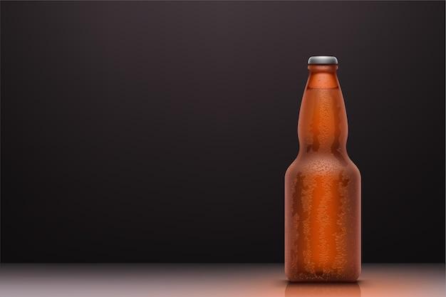 Реалистичная бутылка холодного пива с каплями воды