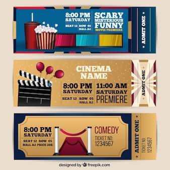 3映画のチケットの現実的なコレクション
