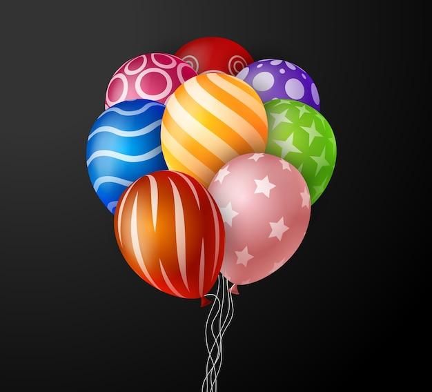 黒い背景のメッセージのためのスペースでパーティーやお祝いのために飛んでいる誕生日の風船の現実的なカラフルな束。図