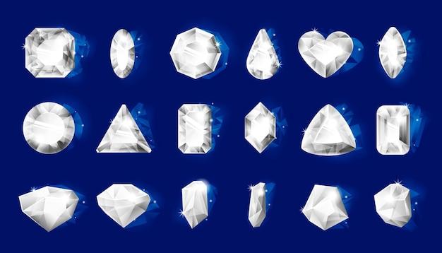 リアルなダイヤモンド。光沢のあるエッジを持つリアルな宝石、青で分離されたさまざまな形状の3d宝石の透明な結晶。王女のための白いジュエリーの宝石のベクトルセット