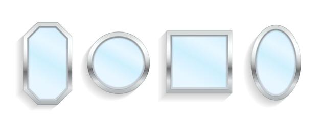 Реалистичные пустые зеркала с отражением на белом