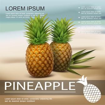 Poster colorato realistico ananas fresco con due frutti tropicali e foglie di palma sulla spiaggia su offuscata