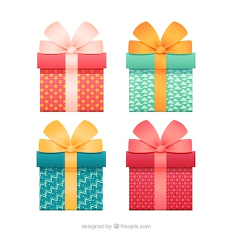 Realistic gifts Free Vector