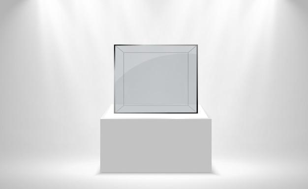 白いスタンドにリアルなガラスの箱やコンテナ。