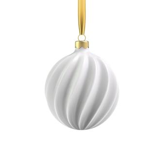 Реалистичная золотая елочная игрушка в виде спирали. объект 3d иллюстрации для рождественского дизайна, макета. изолированные на прозрачном фоне.