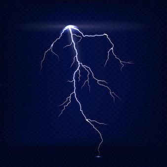 Реалистичная изолированная молния на темно-синем прозрачном фоне