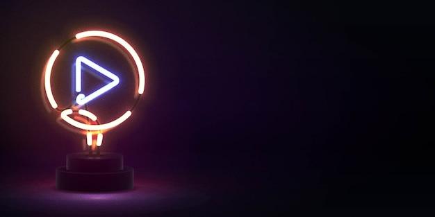 装飾とカバーのためのビデオプレーヤーのロゴの現実的な孤立したネオンサイン。ソーシャルメディアと映画スタジオのコンセプト。