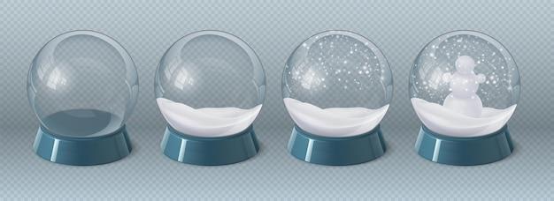 雪と雪だるまで、空の現実的な魔法のガラスの地球。冬の装飾が施されたクリスマスクリスタルスノードーム。降雪ベクトルセットのお土産