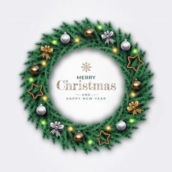 星、リボン、金色と銀色のボールと現実的なメリークリスマスリース。明けましておめでとう装飾的な松の枝。