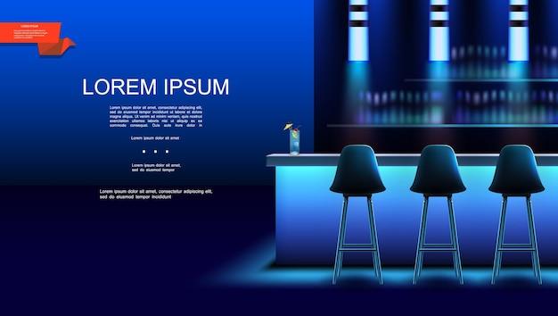 Realistico bar interno notturno con sedie cocktail sul bancone e bottiglie di bevande alcoliche sugli scaffali