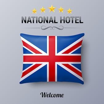Реалистичная подушка и флаг великобритании как символ национального отеля