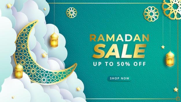 Реалистичный баннер продажи рамадан карим с фонарем, полумесяцем и рамкой для скидок