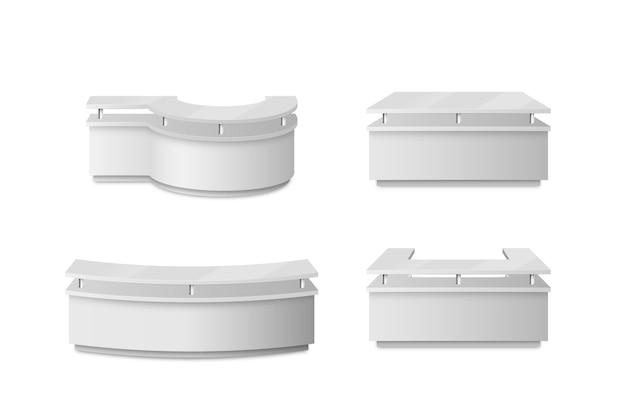 Tavoli da banco reception realistici isolati su sfondo bianco