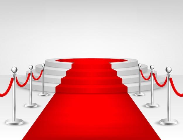 Реалистичная красная ковровая дорожка, серебряные барьеры и белые лестницы, изолированные на белом