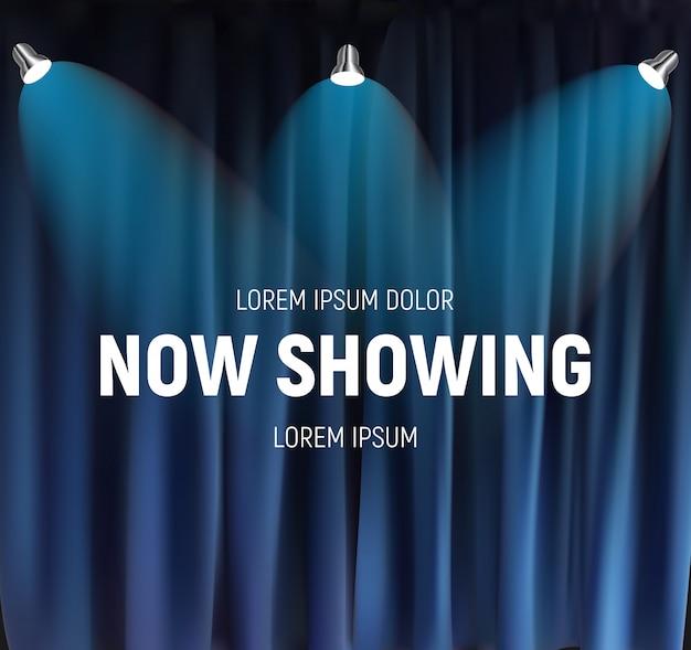 현실적인 복고풍 영화 지금 커튼 배경에 전구 프레임 발표 보드를 보여주는.
