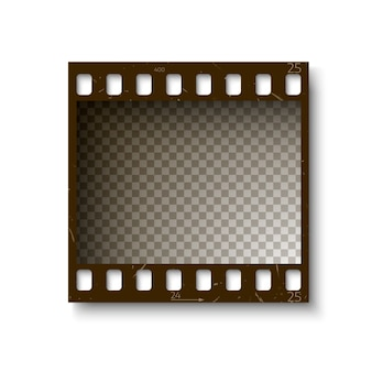 白い背景で隔離の影と35 mmフィルムストリップの現実的なレトロなフレーム。図