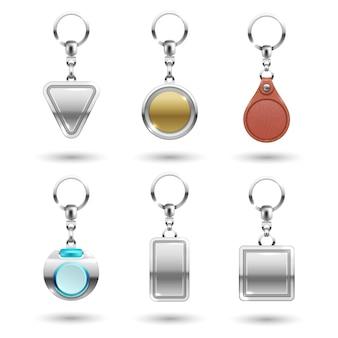 Реалистичные серебряные, золотые, кожаные брелки различной формы, изолированные на прозрачном