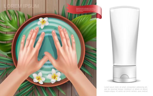 水とプルメリアの花の手のひらの葉クリーム化粧品チューブのモックアップとボウルに女性の手でリアルなスキンケアカラフルなコンセプト