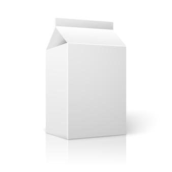 우유, 주스, 칵테일 등에 대한 현실적인 작은 흰색 빈 종이 패키지.