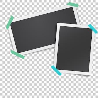 접착 테이프로 접착 된 종이 사진 프레임이있는 현실적인 템플릿
