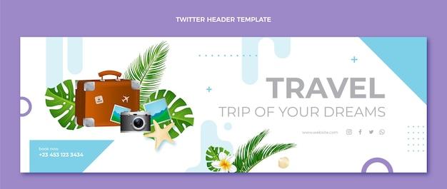 Реалистичный туристический твиттер с листьями