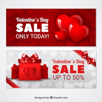 Realistic valentine's day sale banners