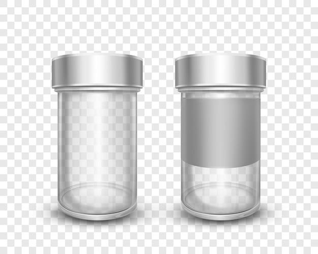 투명 한 배경에 고립 된 금속 모자와 빈 유리 항아리의 현실적인 벡터 일러스트 레이 션. 은색 뚜껑이 있는 깨끗한 캔. 설탕, 소금, 후추, 향신료 및 주방용 느슨한 제품 포장.