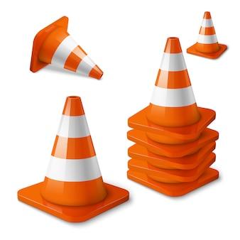 現実的なベクトル-ストライプとオレンジ色の道路コーンのセット。