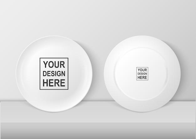 現実的なベクトルの白い食品皿プレートアイコンセットの正面図と背面図のクローズアップ。デザインテンプレート、グラフィックス、印刷などのモックアップ。
