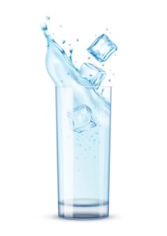 Composizione realistica di spruzzi d'acqua con isolato di vetro riempito con cubetti di ghiaccio d'acqua con illustrazione ombra