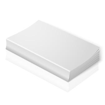 現実的な白い空白のソフトカバーの本。あなたのデザインやブランドの柔らかな反射で白い背景に分離されました。
