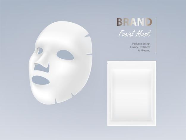 현실적인 흰색 시트 얼굴 화장품 마스크 배경에 고립.