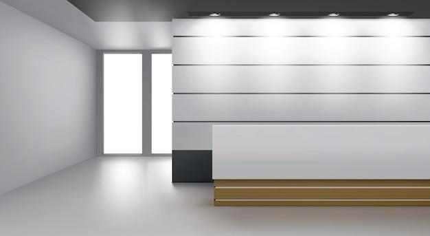 モダンなデスク、天井のランプ照明、ガラスドアのあるレセプションインテリア