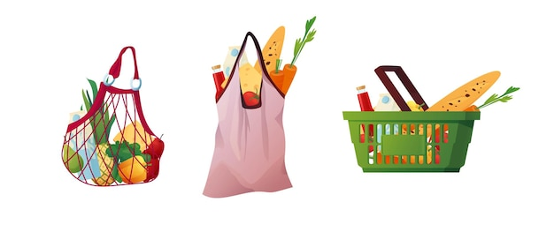 Утилизируемые эко-пакеты и пластиковая корзина с продуктами
