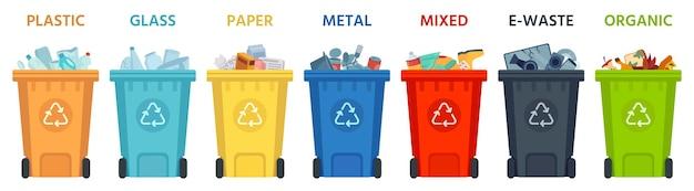 재활용 통. 분리된 쓰레기가 담긴 용기. 플라스틱, 유리, 종이 및 유기농 쓰레기통. 폐기물 벡터 일러스트 레이 션을 분리합니다. 쓰레기 재활용, 쓰레기 유기 재활용 상자