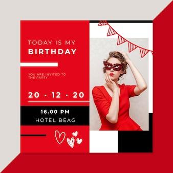 Invito di compleanno rosso con foto