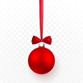 赤い弓と赤いクリスマスボール。透明な背景にクリスマスガラス玉。休日の装飾テンプレート。
