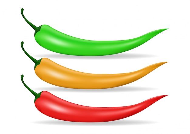 Красный, зеленый и желтый острый перец чили