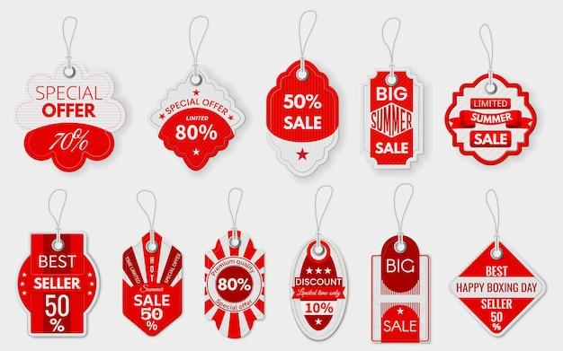 赤いセールラベル。ロープ付きのさまざまな紙の割引値札、ショッピングプロモーションの価格設定サイン、特別取引ぶら下げラベルモックアップベクトルセット。ビッグサマーセール、ベストセラー、プレミアム品質