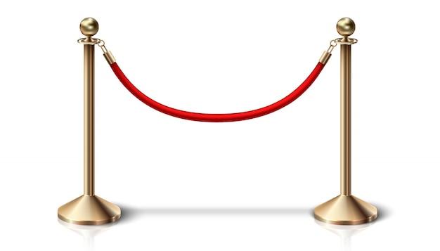 Красный бархатный барьер веревка с золотыми деталями. на белом фоне